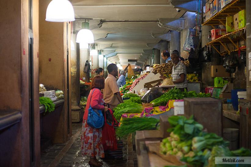 Allée marché de Port Louis