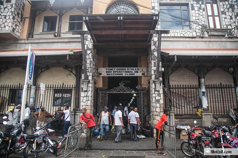 Entrée marché de Port Louis